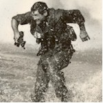 b_w_Zeke_running_in_water-t